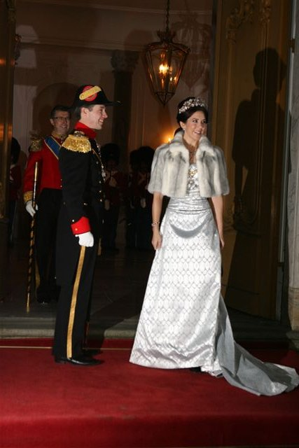 hvor blev kronprins frederik gift