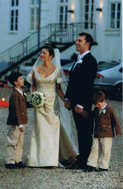 prinsesse alexandra brudekjole